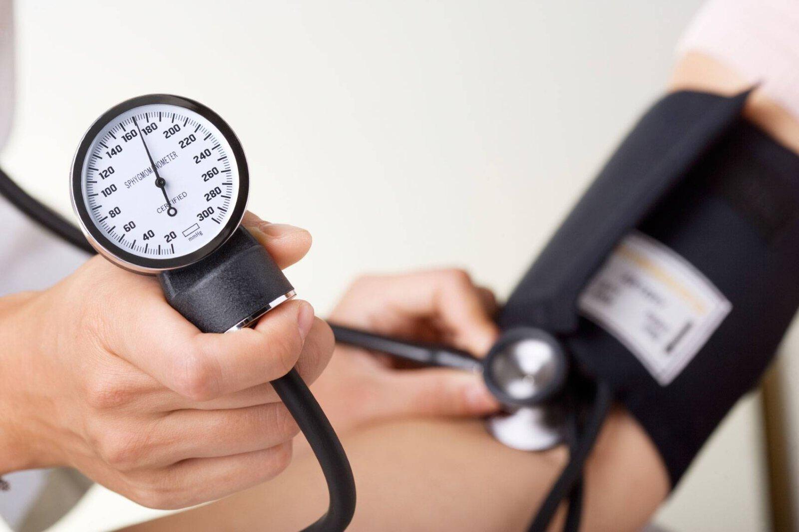 خون بالا - این عادتهای غلط فشار خون شما را نامنظم میکند